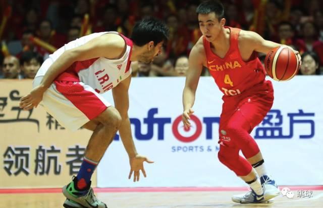赵继伟在前两场比赛,一直打得很挣扎