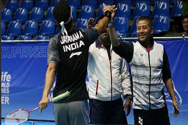 印度羽毛球在路上