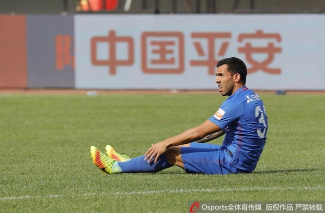 申花官员:特维斯小腿有拉伤迹象 回上海详细检查