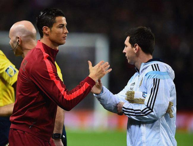 在国家队,C罗的日子要比梅西好过