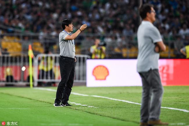 局气!国安球迷齐呼谢峰牛逼 救火教练赢得掌声