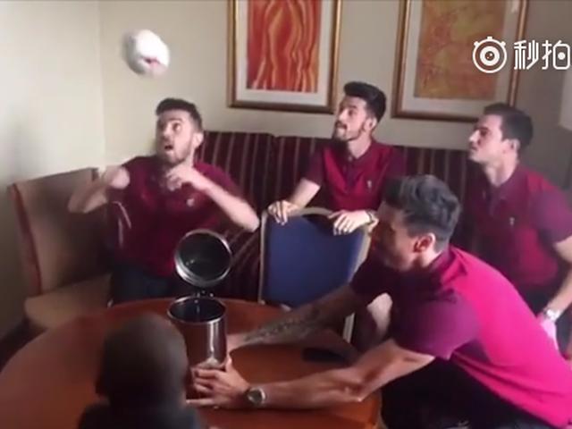 葡萄牙众将挑战餐桌头球接力