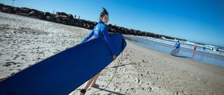 超模雎晓雯黄金海岸体验冲浪