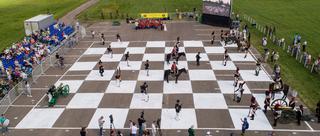俄罗斯骑兵演真人版国际象棋