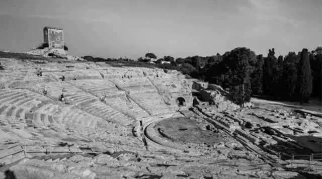 古希腊环形剧场