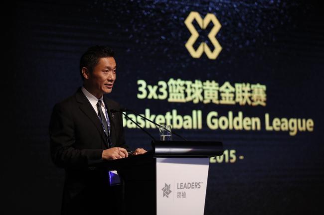魏江雷表示,明年希望将3x3黄金联赛打造为职业化联赛,并以此为基础组织10支3x3篮球职业俱乐部
