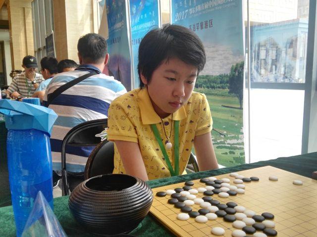 """中国围棋大会选手特写:""""父女兵""""的守望"""