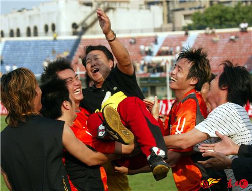 球场巡礼:新华路体育场 承载武汉足球的荣光