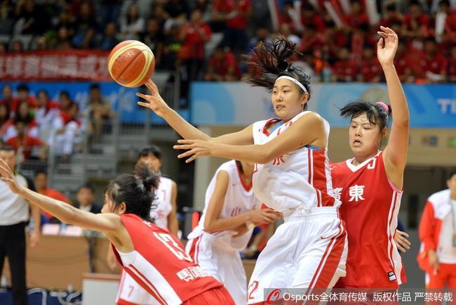 女篮国手中锋对决闪亮全运 国家队未来看她们