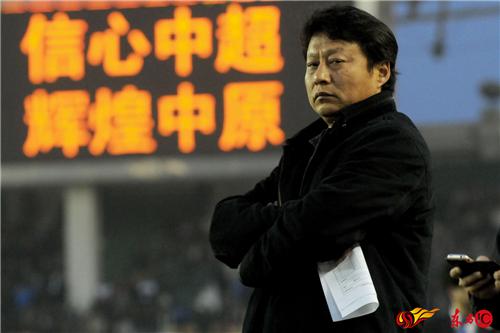 建业功勋教头唐尧东。