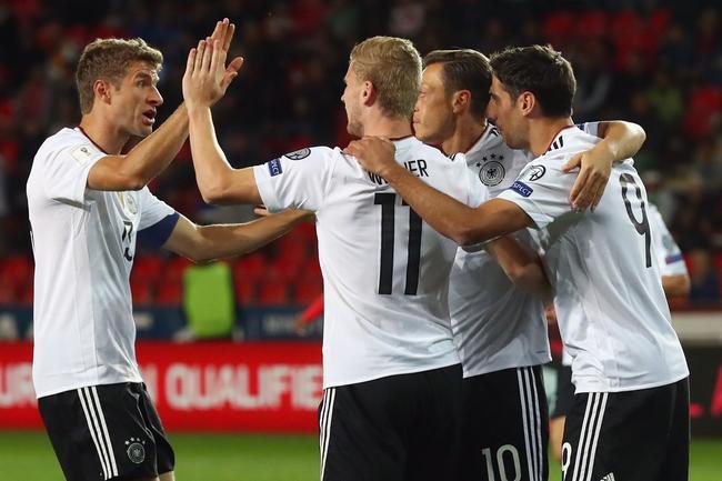 世预赛-厄齐尔助攻 狐媚88分钟绝杀 德国2-1领跑