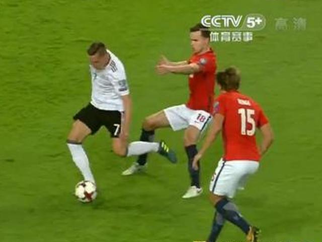 进球视频-厄齐尔送助攻 德拉克斯勒灵巧转身推射破门