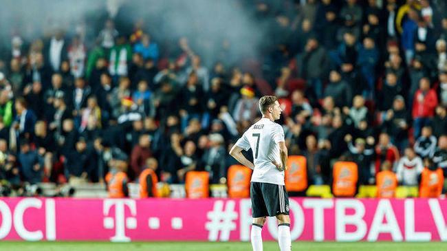 闹心!德国足协恐遭FIFA处罚 又是球迷惹的祸