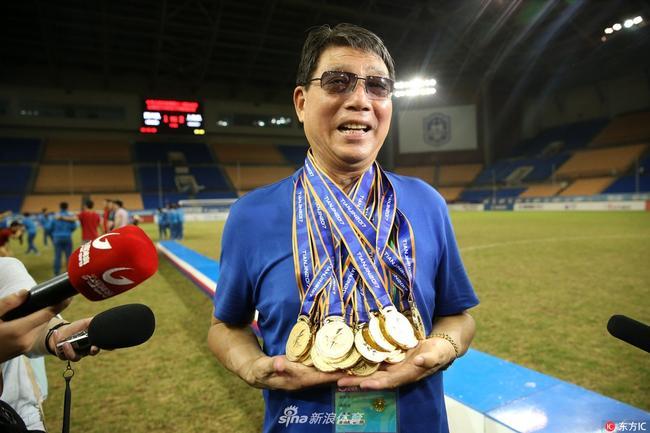 厉害了!上海队包揽全运会足球专业组全部四冠