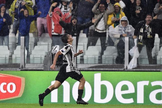 迪巴拉庆祝进球