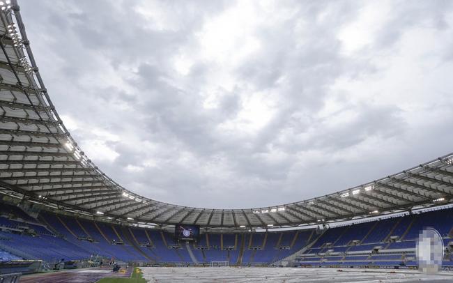 覆盖了保护膜的奥林匹克球场