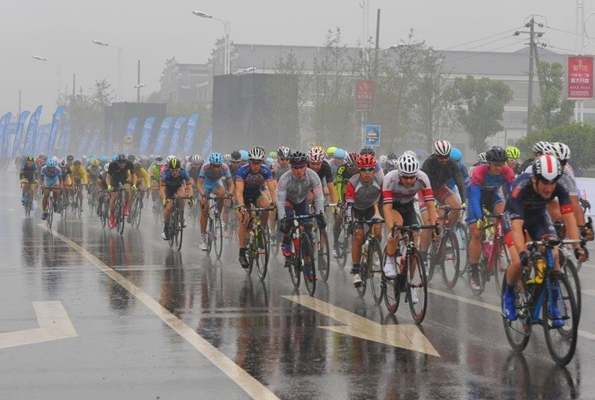 连续举行国际自行车赛事
