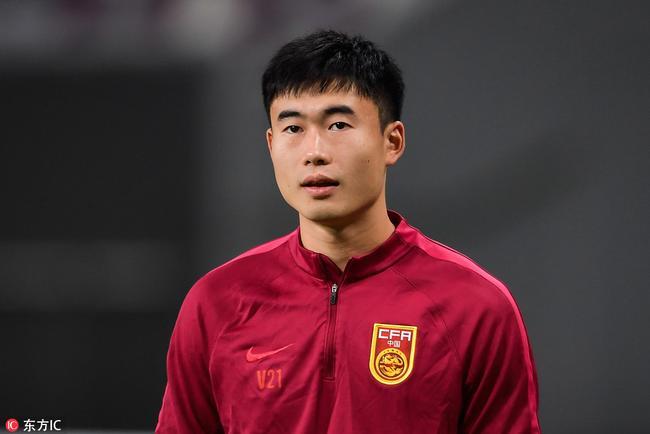 邓涵文启蒙教练:他踢球不为了钱 2022更值得期待