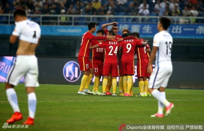 中超-泰达主场1-5惨败亚泰 12轮不胜仍倒数第二