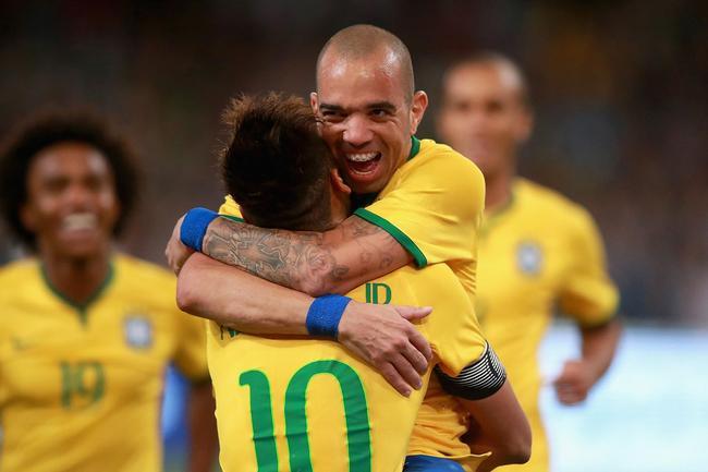 巴西名单:塔神时隔2年重返国家队 奥古斯托入围