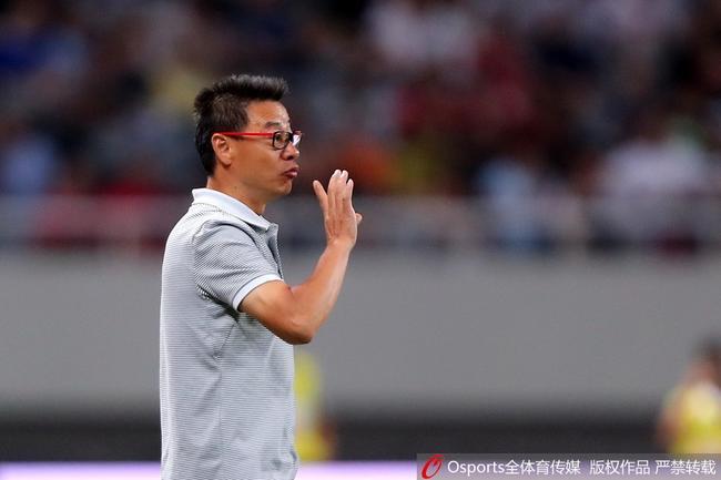 吴金贵拿申花比曼联称有底蕴 今年的任务是保级