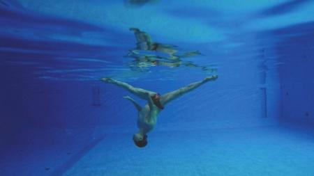 耿耀志在水下的精彩表演。