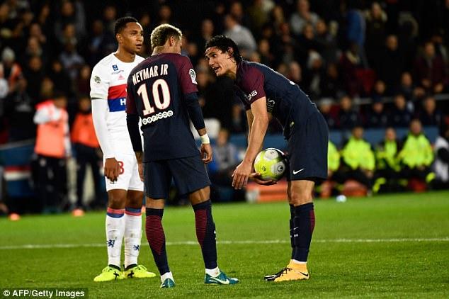 曝内马尔要求巴黎出售卡瓦尼:我和他没法共存