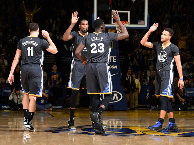 NBA超级球队排名:勇士自成一档火箭不如雷霆