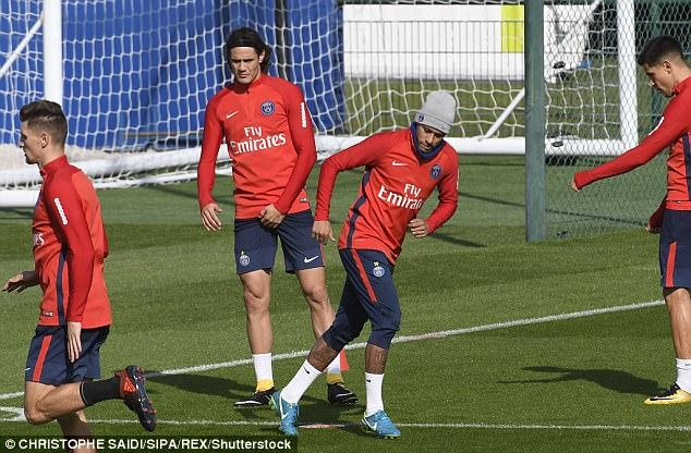 内马尔和卡瓦尼专注于训练