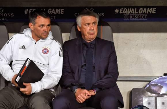 助理教练萨尼奥尔(左)暂时接任
