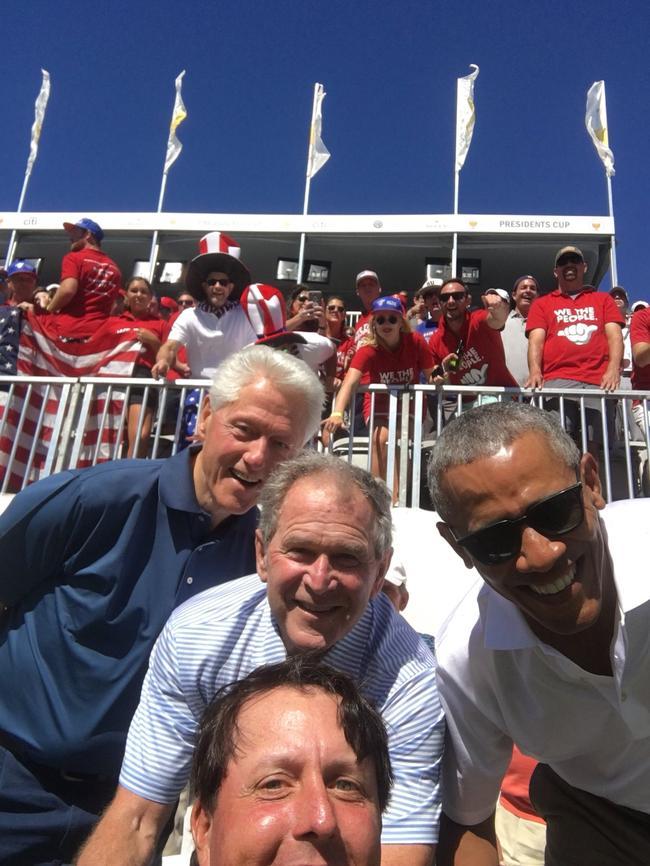 老米与三位总统自拍