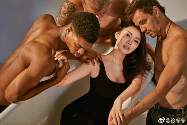 花边 大嫂与三男上演浴缸诱惑 忍不住想@阿杜