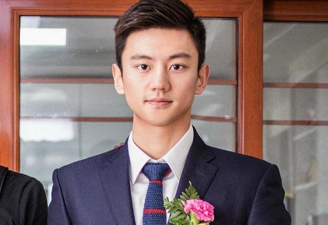 宁泽涛参加婚礼祝福新人:未来个子高的孩子有