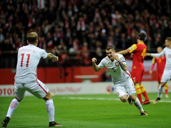 波兰4-2黑山头名出线