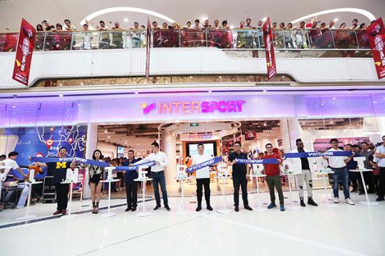 奥康国际首家INTERSPORT2.0特色多品类店落户温州