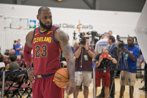 不留情!詹皇畅想跟儿子同战NBA 6年后能见到吗