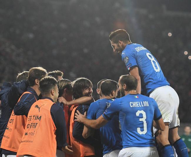意大利庆祝进球