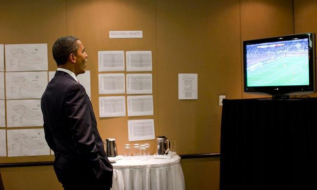 奥巴马在G20峰会上也不忘关注美国队表现