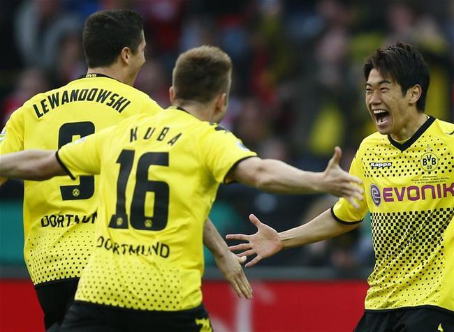 当年德国杯决赛5-2拜仁,香川传射建功