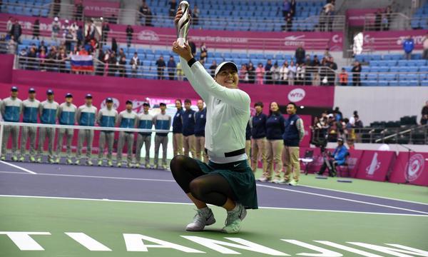 高清-天津赛莎娃打破29个月冠军荒