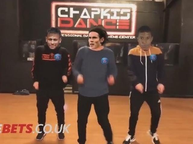 视频-巴黎CNM组合终同场进球 酷炫热舞齐庆祝