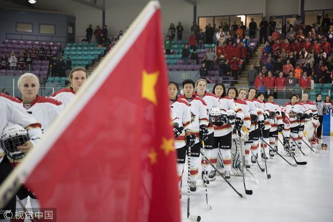 中国球队CWHL首战精彩 昆仑鸿星罚丢点球憾遭逆转