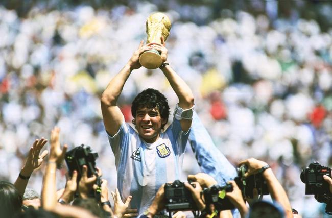 贏得1986年世界杯給馬拉多納帶來的影響遠遠超出了足球的範疇