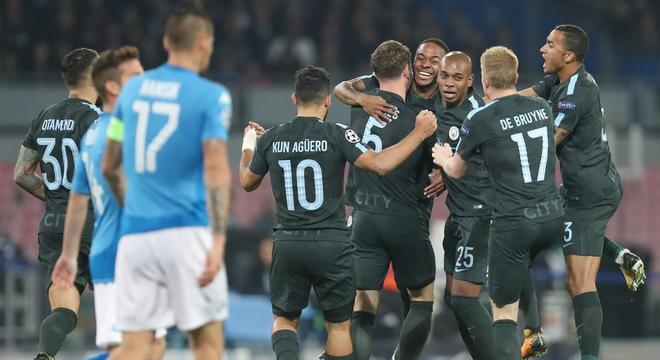 欧冠-曼城4-2逆转那不勒斯 提前出线