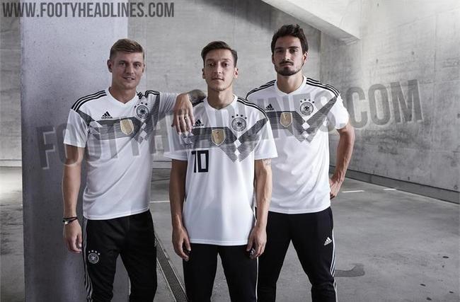 德国队世界杯球衣谍照曝光!
