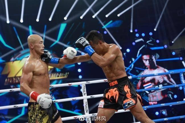 武僧一龙惨败泰拳王 仅2回合头部被重击遭TKO!