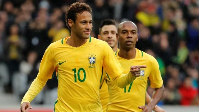 热身-内马尔失点巴西3-1日本