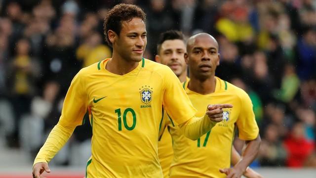 视频裁判帮了巴西!北爱冤死