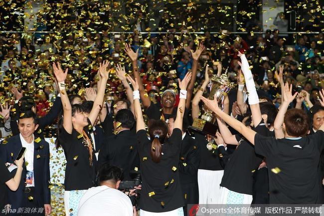 北京女篮力争卫冕 澳洲女外教加盟辅助张云松