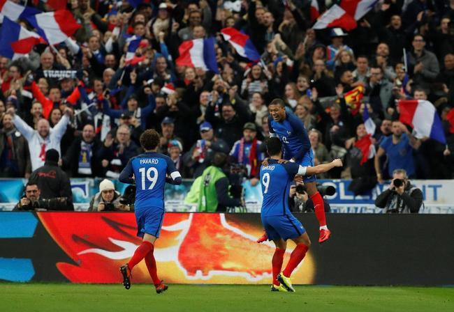 热身-法国4中框2-0胜威尔士